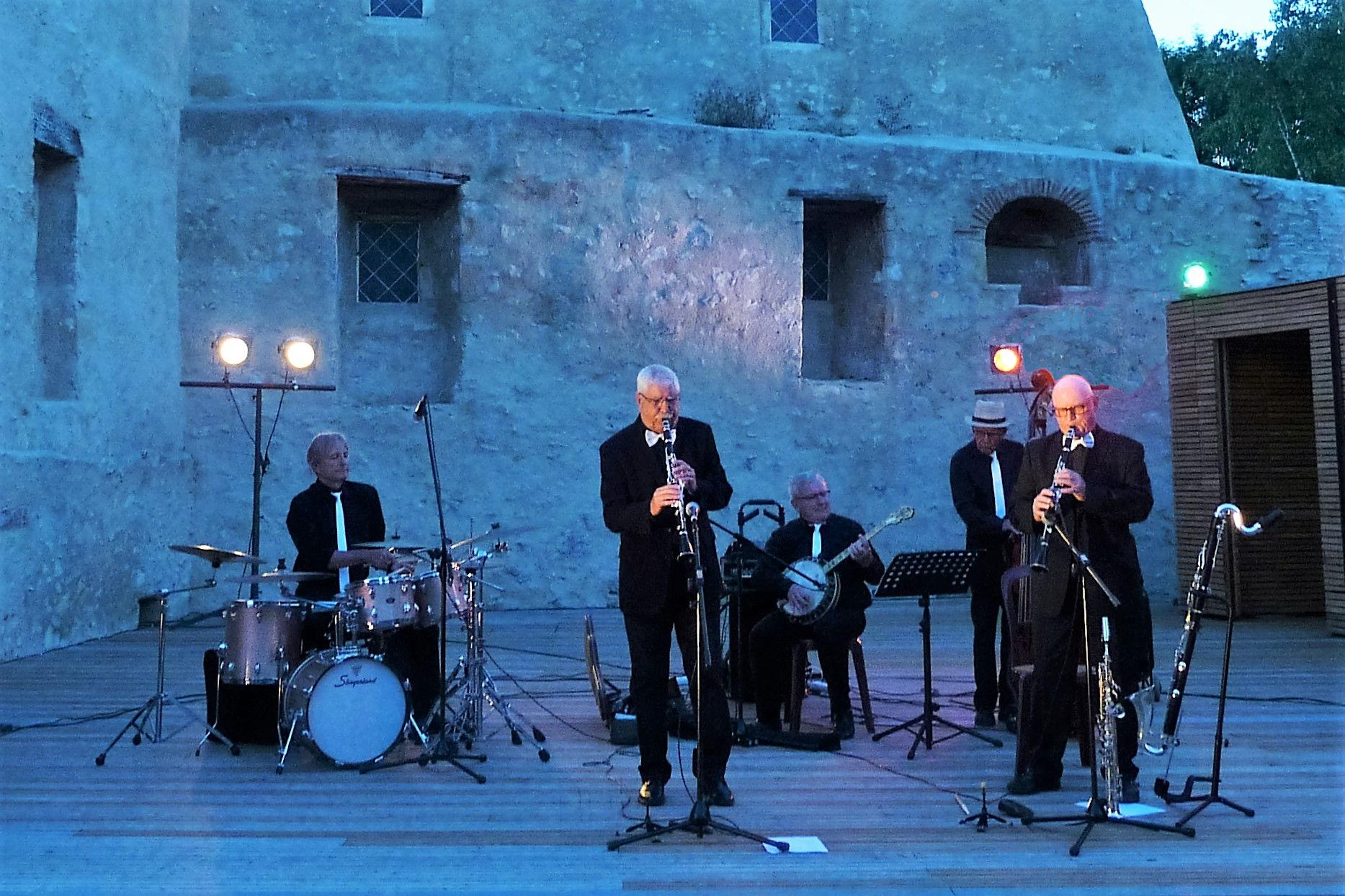 Barfly Jazz Quintet
